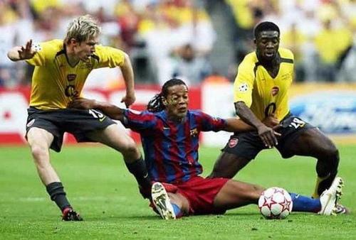 Top 10 imágenes graciosas en el Fútbol tomadas en el momento justo