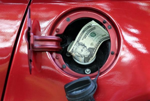 Los 10 mejores trucos y consejos para ahorrar gasolina [Tips]